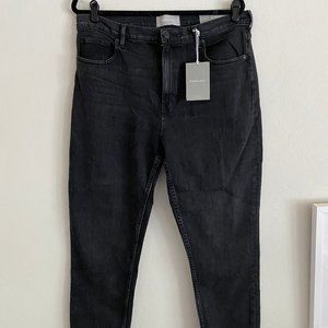 Everlane The High Rise Skinny Jean in Washed Black